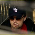 Леонардо Ди Каприо снова закурил?