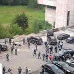 Один из участников поножовщины возле «Европейского» оказался судебным приставом
