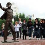В Москве был открыт памятник Майклу Джексону